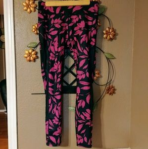 BOGO 1/2 OFF! (NWOT) JustFab Active Leggings